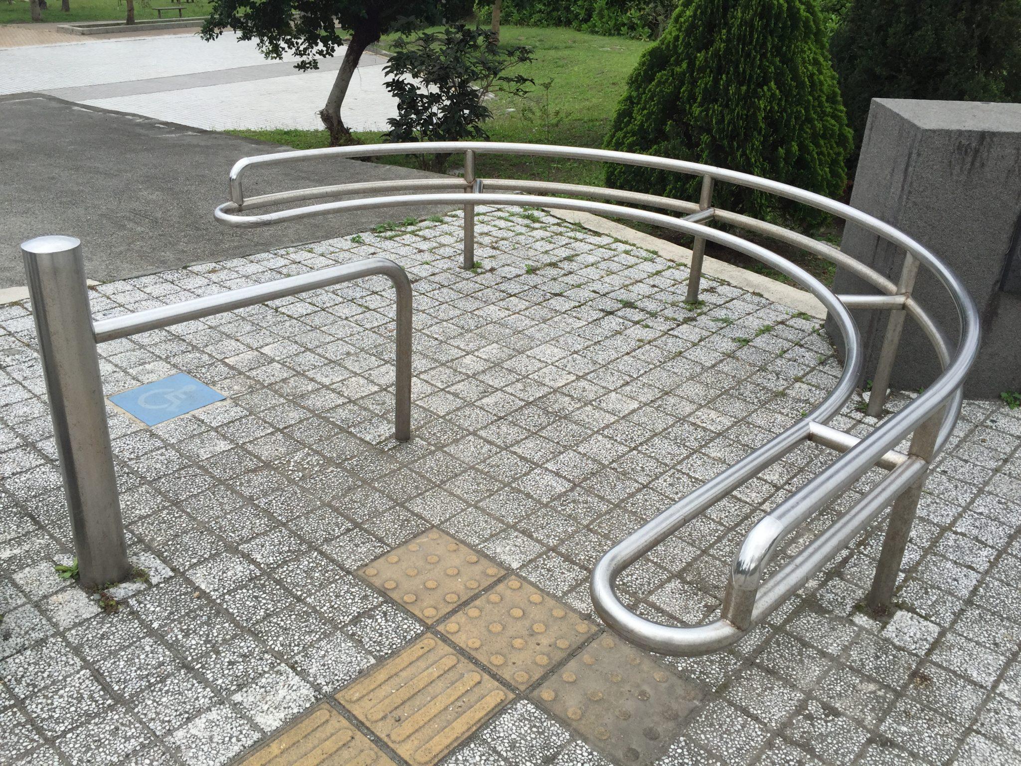 台東成功海濱公園的車阻設計